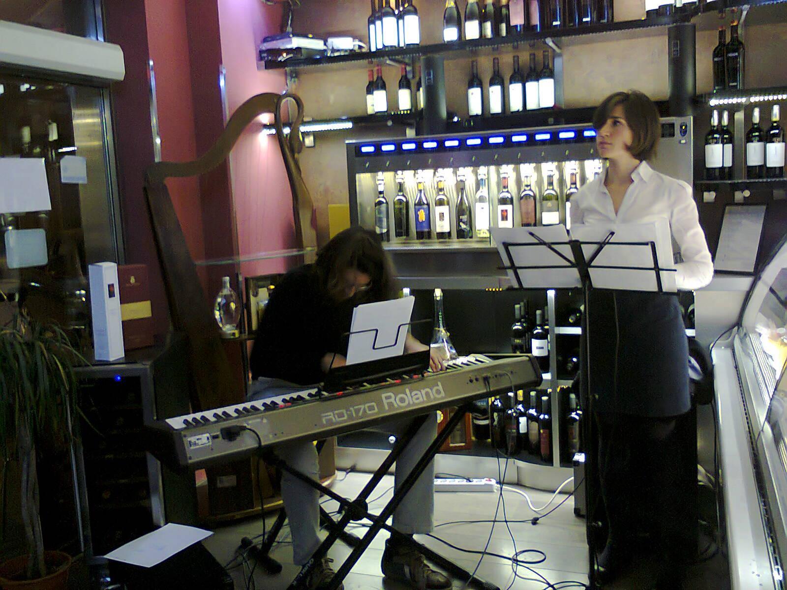 Andrea ed Elena Schirru Jazz Duo, Lunedì 10 Giugno al Monday Acoustic Dinner