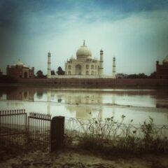 India delle disuguaglianze: tristezza di Agra