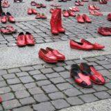 Zapatos Rojos a Cagliari contro il femminicidio e la violenza sulle donne